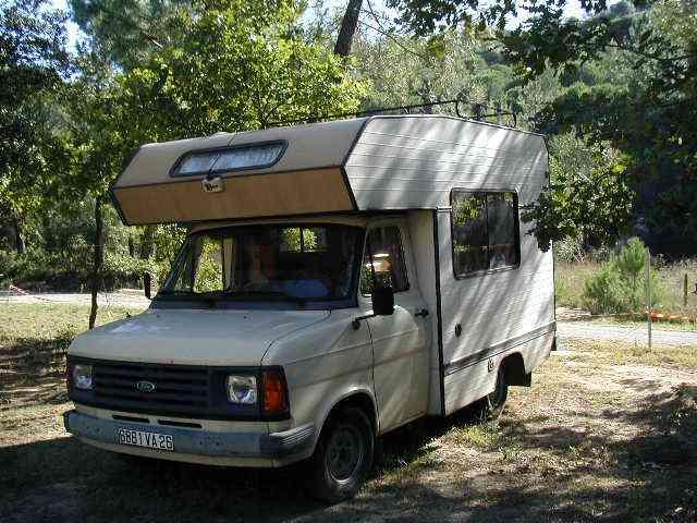 camping car ford capucine 1985. Black Bedroom Furniture Sets. Home Design Ideas